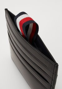 Tommy Hilfiger - POLISHED SLIDE HOLDER - Wallet - black - 4