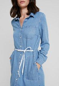 Marc O'Polo DENIM - DRESS COLLAR - Denim dress - melted indigo tencel - 4