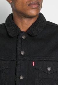 Levi's® - TYPE 3 SHERPA TRUCKER - Light jacket - back denim - 4