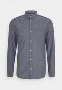 REGULAR ORGANIC DOBBY - Shirt - navy chambray with white
