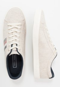 Tommy Hilfiger - ESSENTIAL SEASONAL - Trainers - beige - 1
