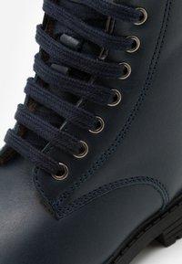 clic! - Šněrovací kotníkové boty - tana/azul - 5