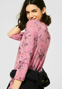 Cecil - MIT BLUMEN - Long sleeved top - rot - 2