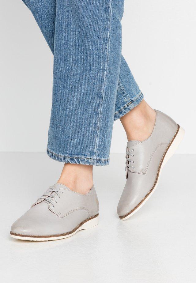 ROSE - Sznurowane obuwie sportowe - light grey