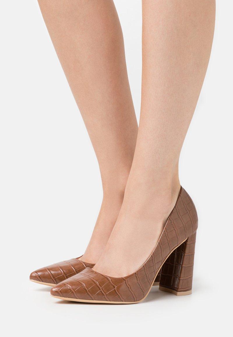 Glamorous Wide Fit - Lodičky na vysokém podpatku - brown