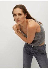 Mango - NEWMOM - Slim fit jeans - open grijs - 4