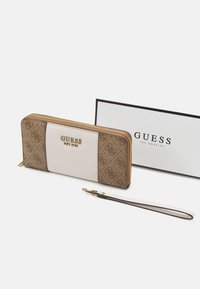 Guess - MIKA LARGE ZIP AROUND - Wallet - brown - 3