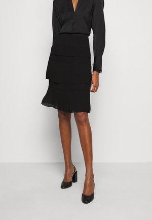 DURANTES - Áčková sukně - black