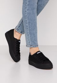 Keds - TRIPLE KICK - Sneakersy niskie - black - 0