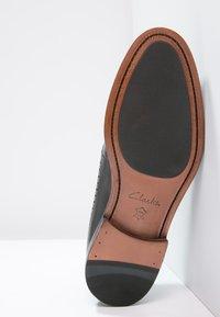 Clarks - COLING LIMIT - Smart lace-ups - zwart - 4