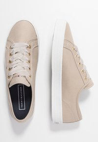 Tommy Hilfiger - ESSENTIAL NAUTICAL SNEAKER - Trainers - stone - 3