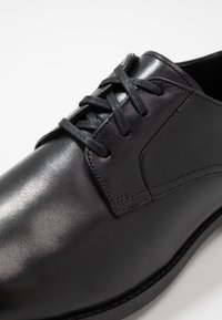 Clarks - RONNIE WALK - Business sko - black