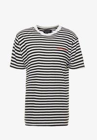 Night Addict - T-shirt med print - black/white/red - 3