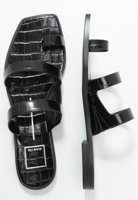 Dolce Vita - ISALA EMBOSSED STELLA - Sandály s odděleným palcem - black - 3
