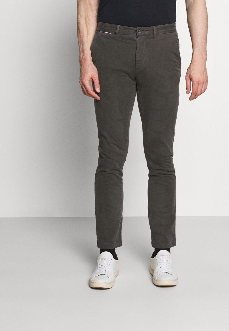 Tommy Hilfiger - DENTON FLEX  - Chino kalhoty - grey