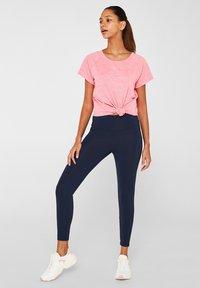 Esprit Sports - Print T-shirt - coral - 3