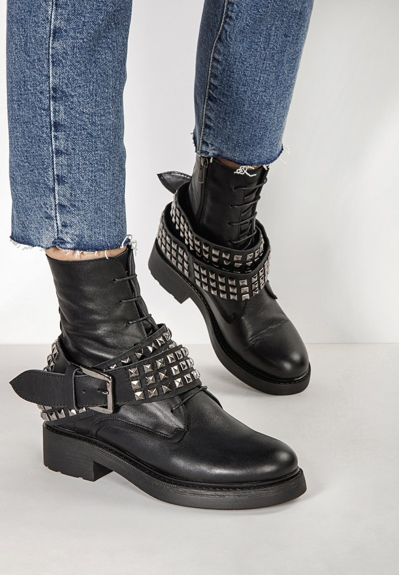 Inuovo - Lace-up ankle boots - black