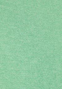 TOM TAILOR - BASIC V-NECK - Jumper - soft leaf green - 2