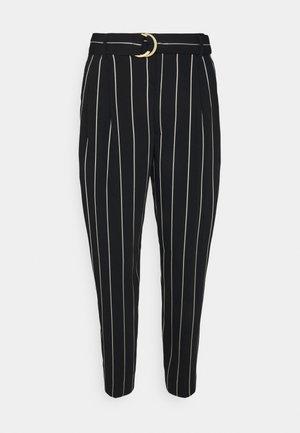 VATRISSA ANKLE PLEATED - Trousers - black/white