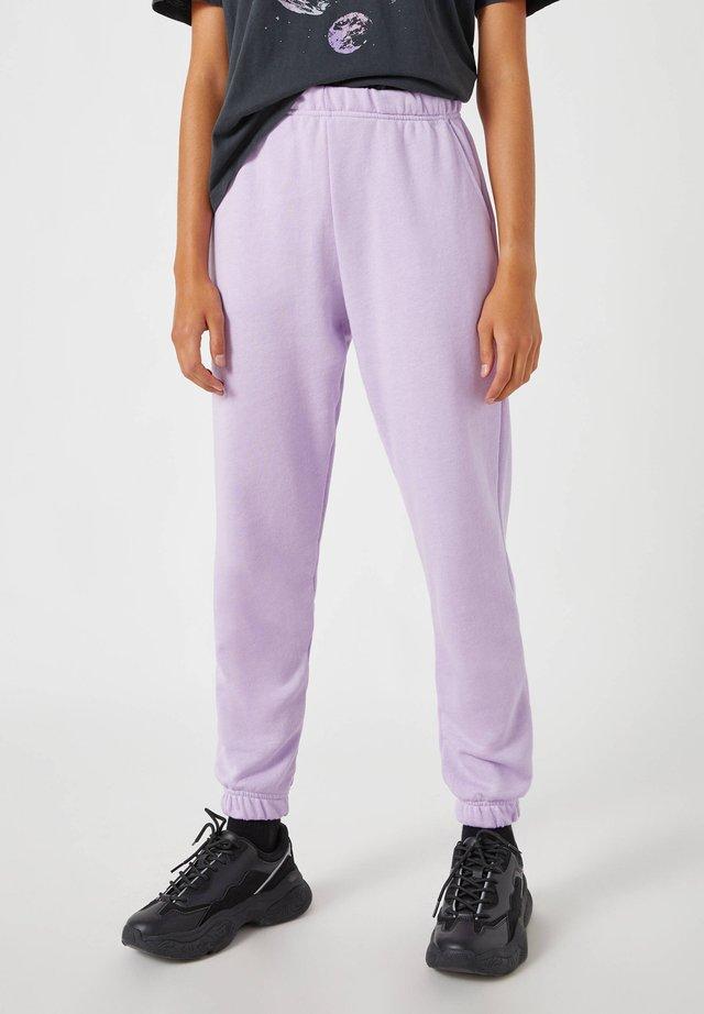LILA BASIC - Teplákové kalhoty - dark purple