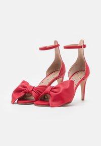 Red V - Sandaler - fragola - 2