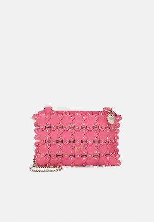 POCHETTE - Clutch - fancy pink