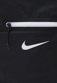 Nike Sportswear - STASH BACKPACK UNISEX - Ryggsekk - black/white - 3