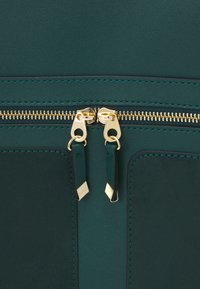 New Look - TAYLOR TOTE - Tote bag - dark green - 3