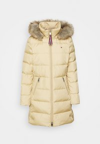 Tommy Hilfiger - BAFFLE COAT - Down coat - yellow stone - 6
