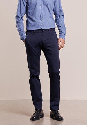 MATTHEW - Spodnie materiałowe - blau