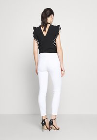 J Brand - ALANA HIGH RISE CROP  - Jeans Skinny Fit - blanc - 2
