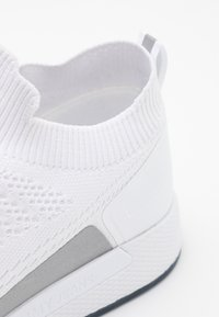 Tommy Jeans - FLEXI SOCK RUNNER - Trainers - white - 5