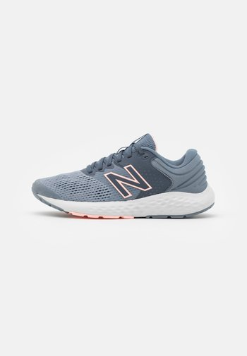520 - Zapatillas de running neutras - dark grey/silver