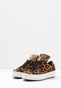 MICHAEL Michael Kors - MINDY LACE UP - Sneaker low - butterscotch - 4