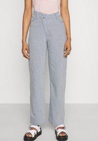 Weekday - ALLANIT SKEW TROUSERS - Trousers - denim as hanger - 0