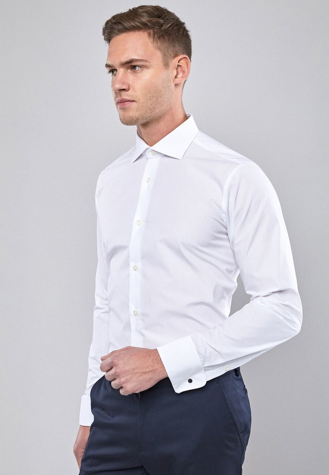 WHITE SLIM FIT DOUBLE CUFF CURVED CUTAWAY COLLAR SHIRT - Camicia elegante - white