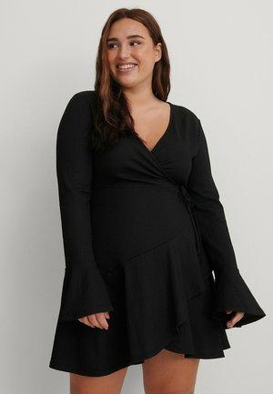 MIT RÜSCHENDETAIL - Day dress - black