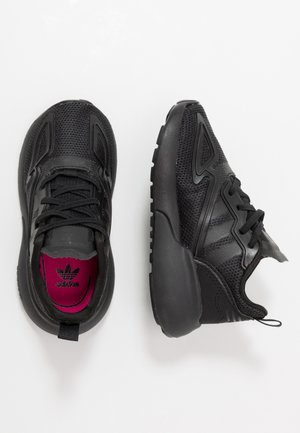 ZX 2K - Zapatillas - core black/shock pink