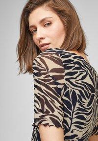 s.Oliver BLACK LABEL - T-shirt print - light beige aop - 3