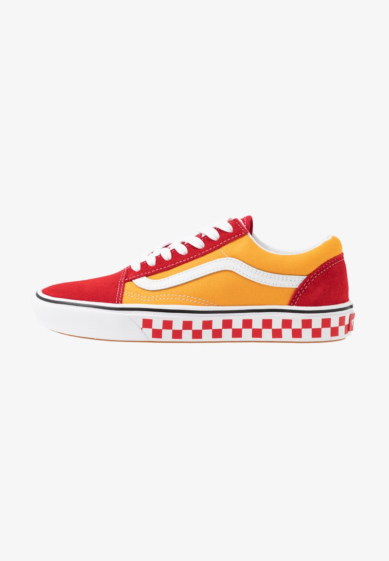 Vans - COMFYCUSH OLD SKOOL - Zapatillas - red/cadmium