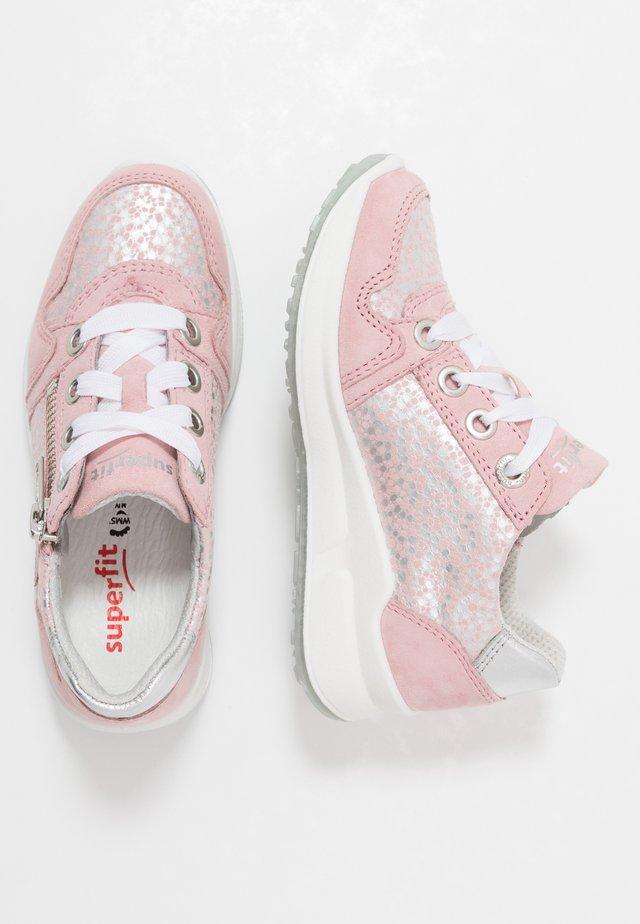 MERIDA - Sneakers laag - rosa