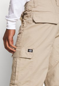 Dickies - NEW YORK - Pantalon cargo - khaki - 4