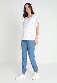 9Fashion - LUKKI - T-shirts med print - white - 1