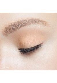 Bobbi Brown - LONG WEAR CREAM SHADOW STICK - Eye shadow - dc9269 sand dune - 1