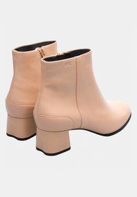 Camper - KATIE - Ankle boots - coloresc - 3