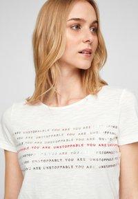 s.Oliver - Print T-shirt - off white statement print - 4