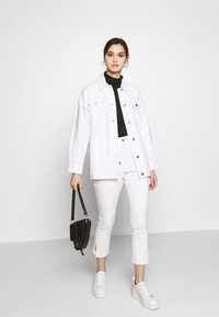 Who What Wear - THE BELTED JACKET - Short coat - white - 1