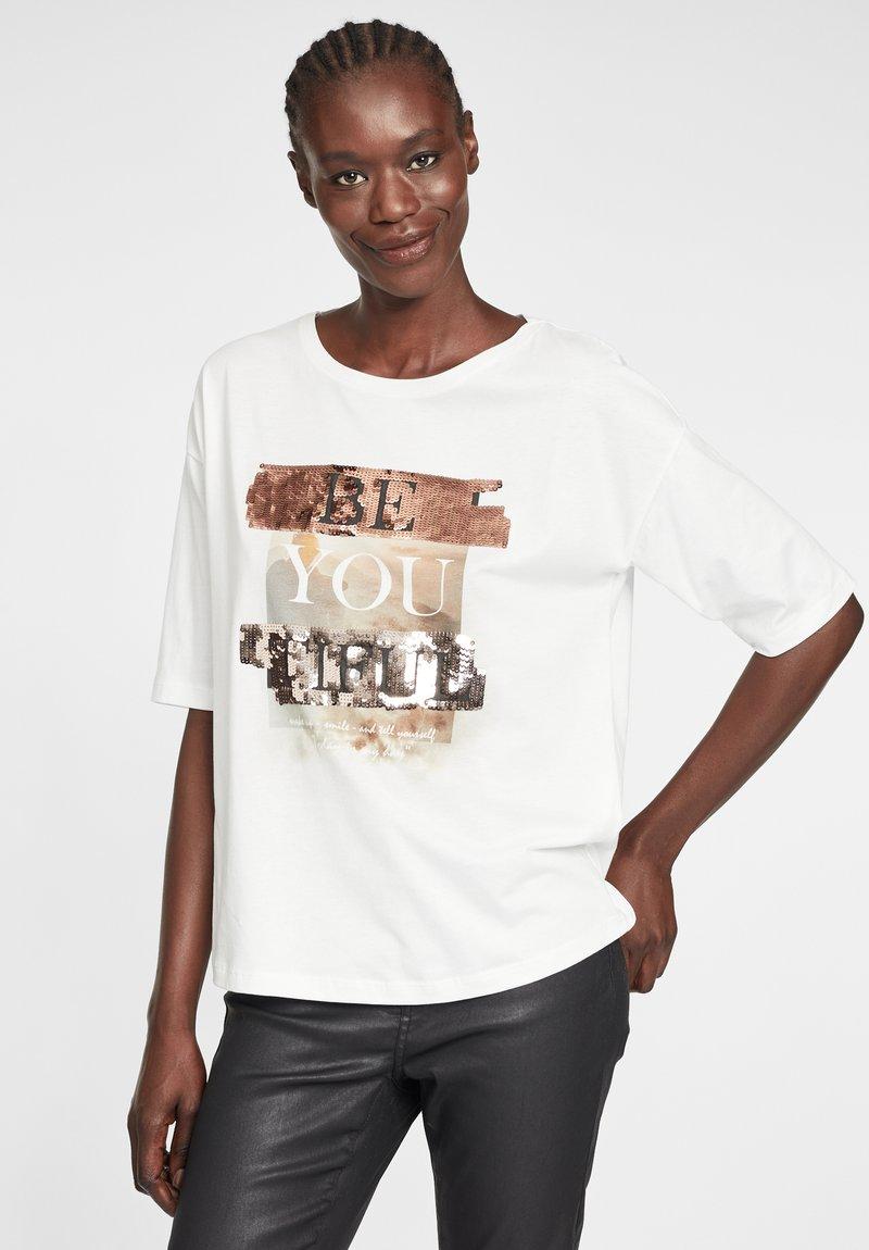 Cartoon - MIT PAILLETTEN - Print T-shirt - white/copper