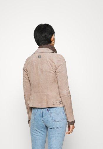 SUMMER BIKER PRINCESS - Leather jacket - wood