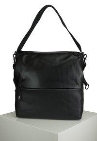Mandarina Duck - MANDARINA DUCK - Across body bag - black - 0